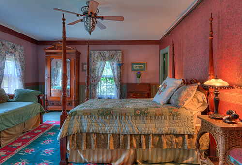 Lilac-NH-Bed-and-Breakfast-Guest-Room