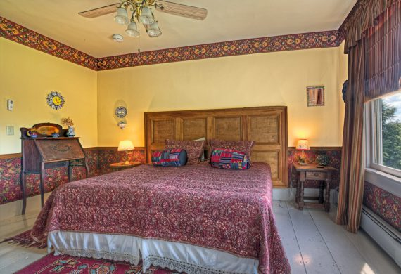 hacienda-NH-Bed-and-Breakfast-Guest-Room